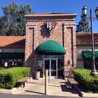 Westlake Village, California Location - BJ's Restaurant & Brewhouse