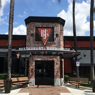 Arcadia, California Location - BJ's Restaurant & Brewhouse