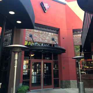 Valencia, California Location - BJ's Restaurant & Brewhouse
