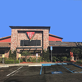 Huntington Beach Boulevard, California Location - BJ's Restaurant & Brewhouse