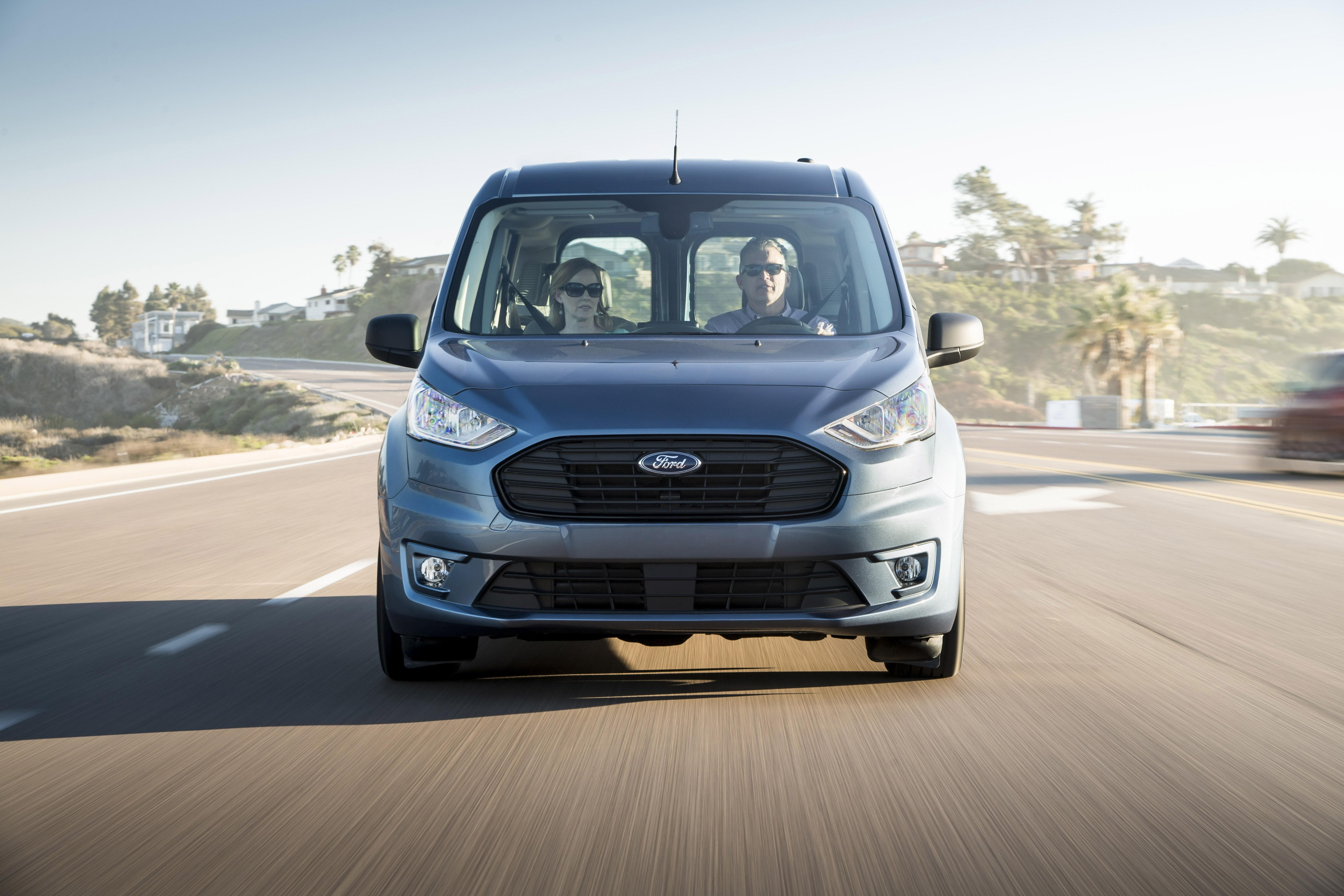 b07666ceb5 Get an in-depth look at the specs differences between the Ford Transit and  Ford Transit Connect cargo vans