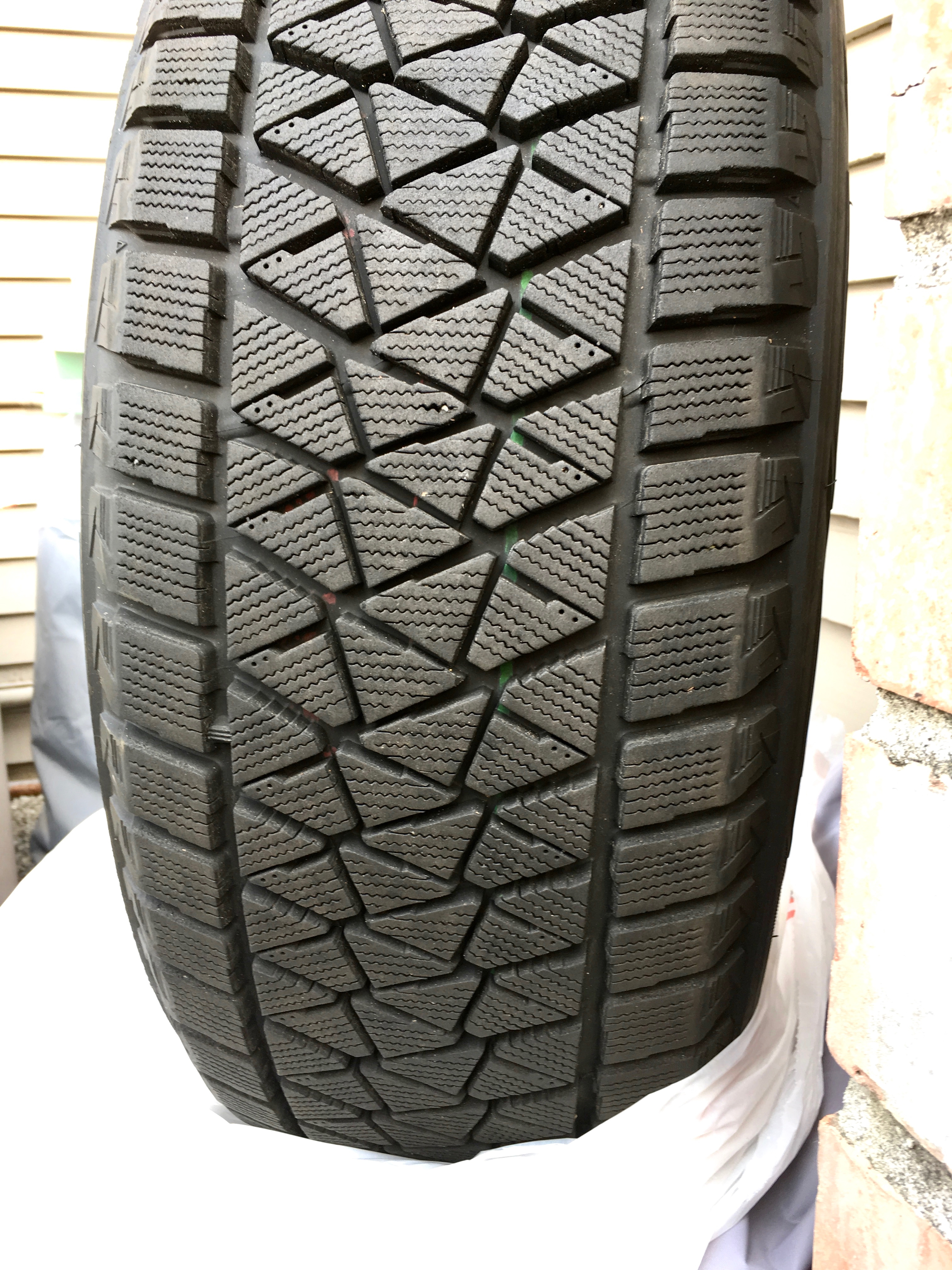 Blizzak Snow Tires >> Set Of 4 Blizzak Snow Tires Bmw Cca Puget Sound Chapter