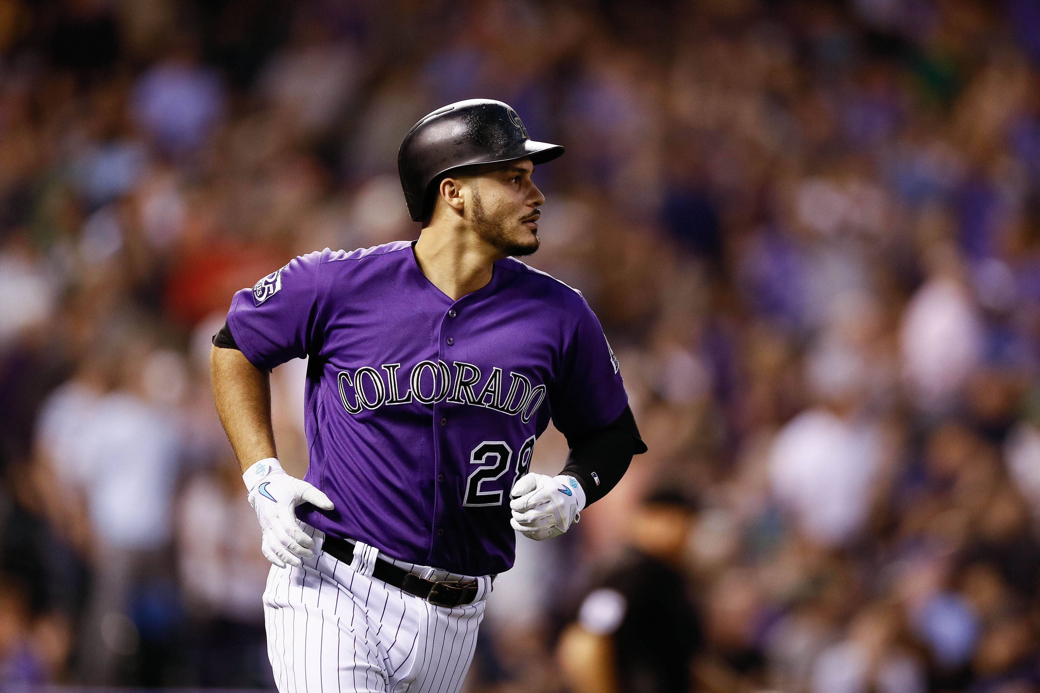 Arenado agrees to 8-year contract with Rockies