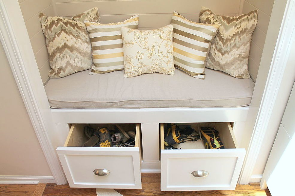 Closet to Storage Bench via Hometalkers Kandi and Rebekah @Woven Home