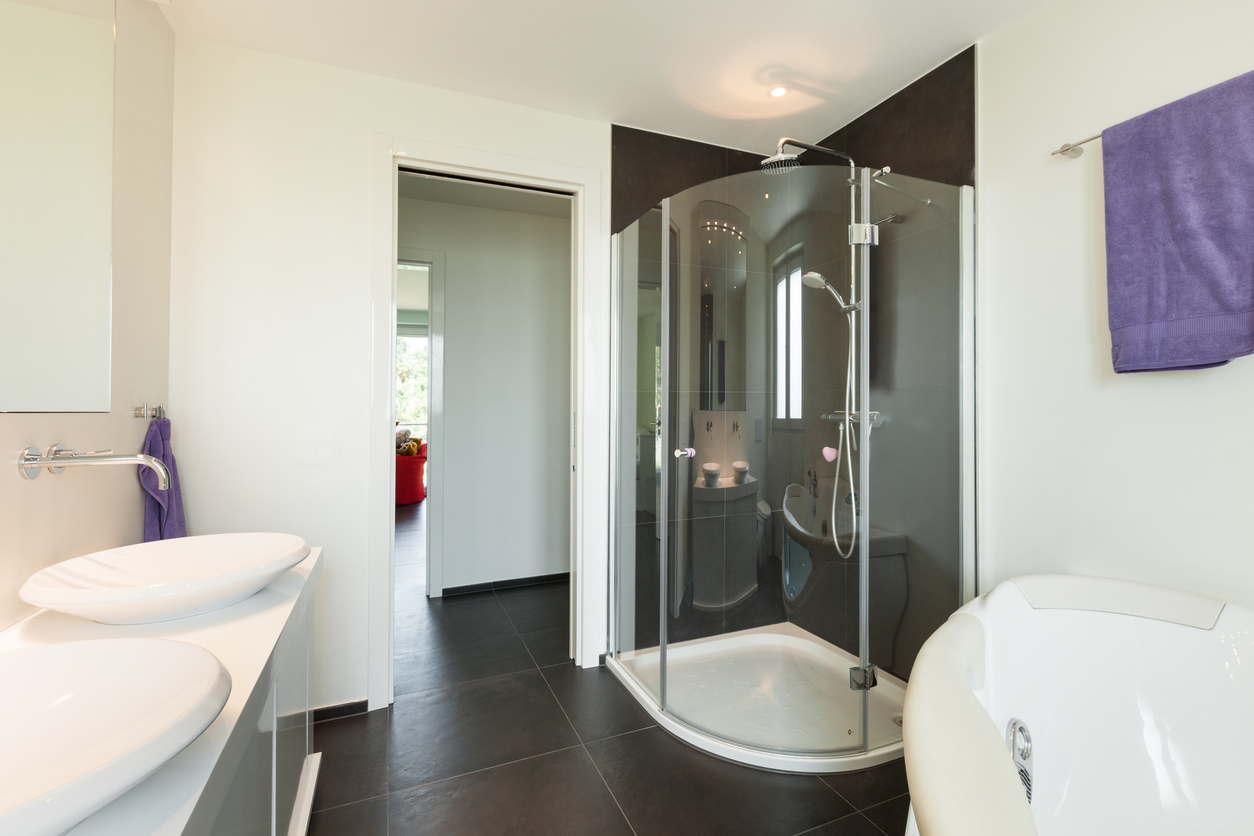 8 Ways To Make A Small Bathroom Feel Bigger Build Realty