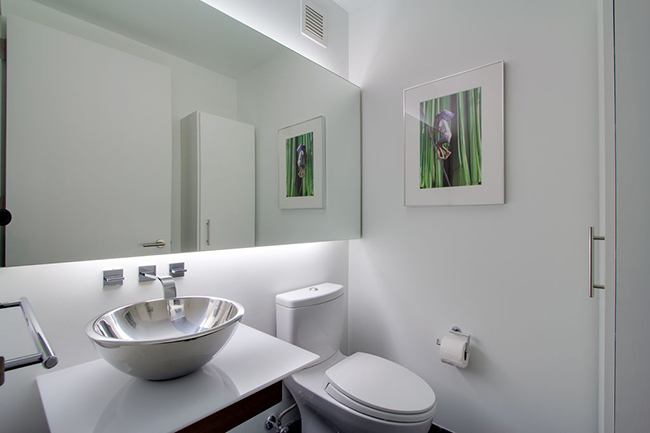 10 Ways To Make A Small Bathroom Look Bigger Build Realty
