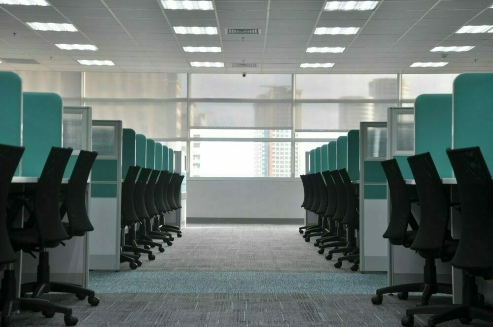 open office with privacy screens - casaone