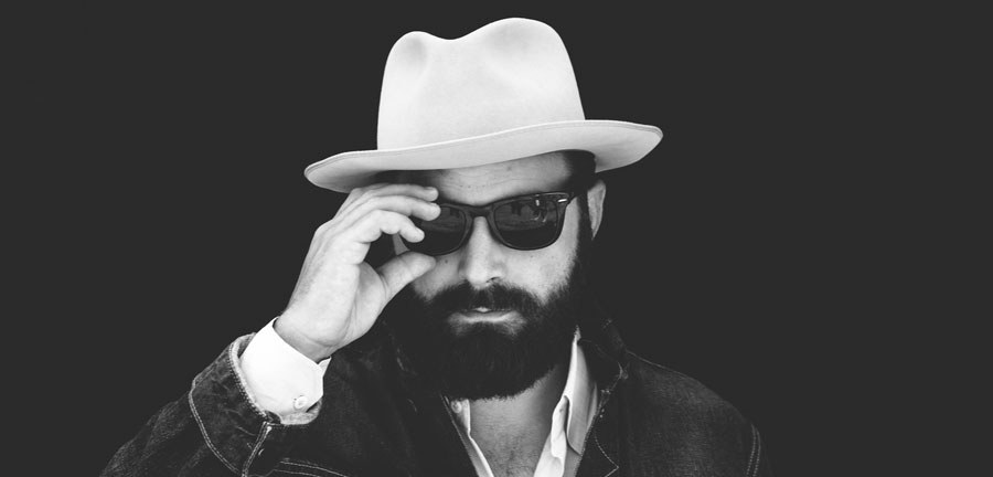 Drew Holcomb and the Neighbors photo