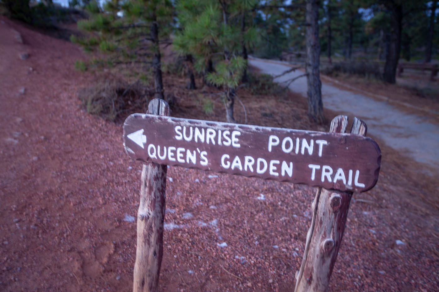 Sunrise Point on the Queens Garden Trail and Navajo Loop Trail Combo Hike #vezzaniphotography