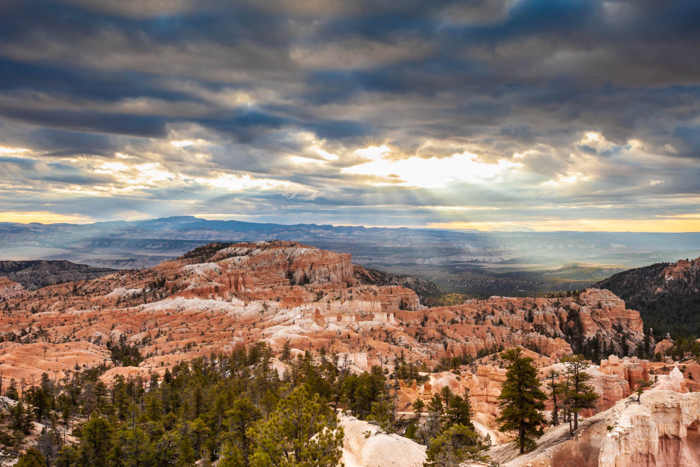 Sunrise Point on the Queens Garden Trail and Navajo Loop Trail Combination Hike #vezzaniphotography