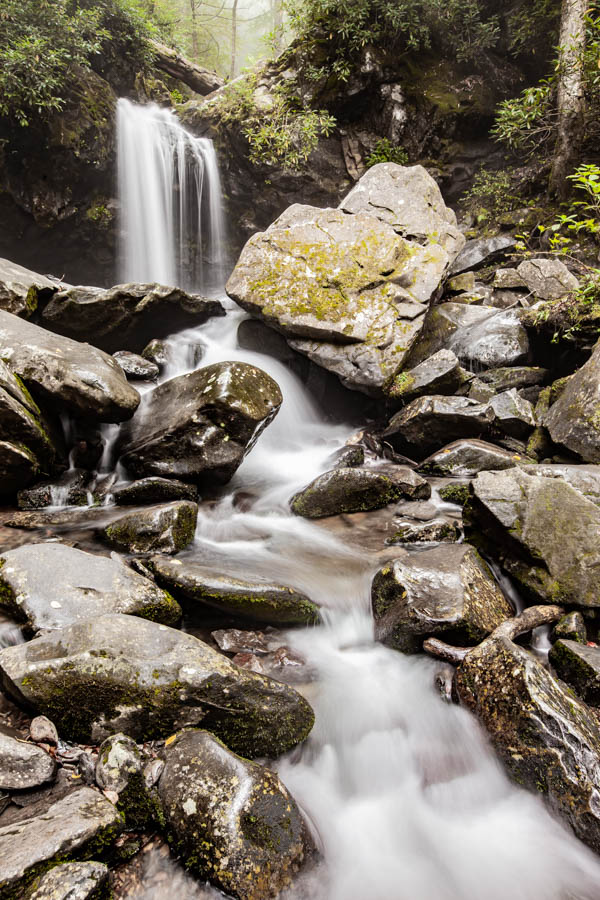 Grotto Falls Hike along the Trillium Gap Trail at Great Smoky Mountains National Park #vezzaniphotography