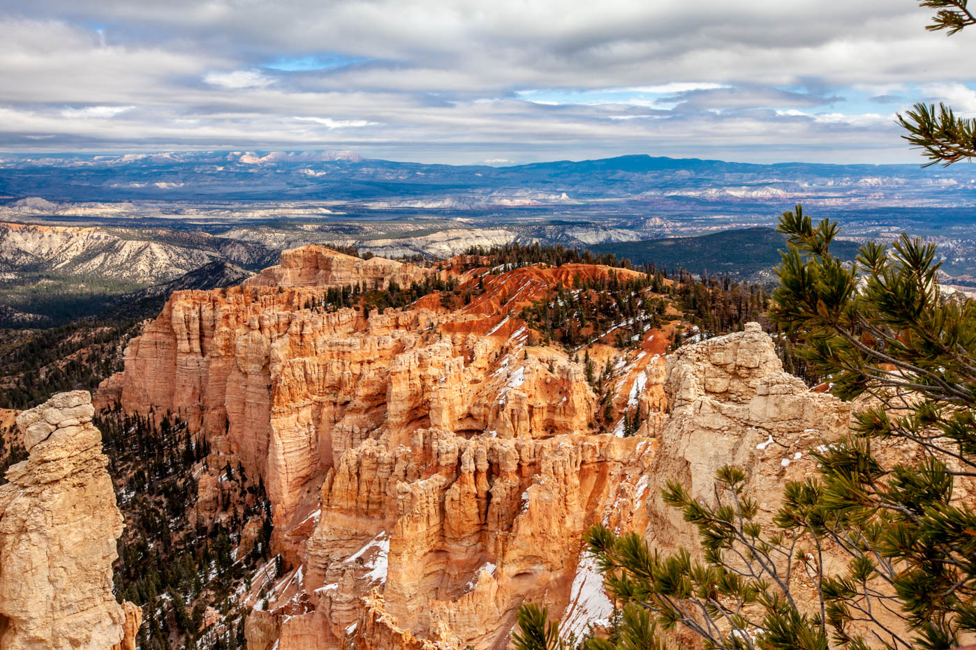 18-Mile Scenic Drive Rainbow Point Overlook at Bryce Canyon National Park Best Photo Spots #vezzaniphotography