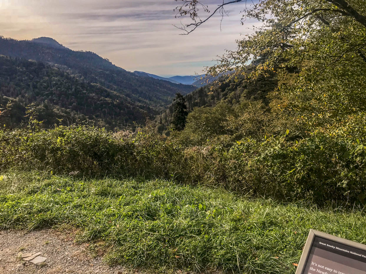 Mortons Gap Overlook - Must See Locations Along Newfound Gap Road at Great Smoky Mountains National Park #vezzaniphotography