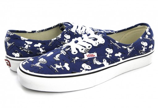 VANS 3 8EMOQW (PEANUTS) SNOOPY/SKATING AUTHENTIC 21.5