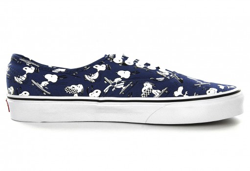 VANS 3 8EMOQW (PEANUTS) SNOOPY/SKATING AUTHENTIC  21.5-31