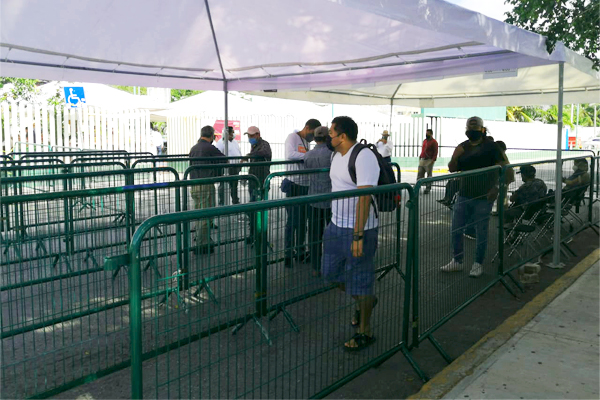 Persiste baja afluencia en segunda jornada de vacunación anticovid en Cancún