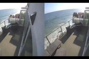 En la playa Malibú se desploma un balcón con al menos 15 per...