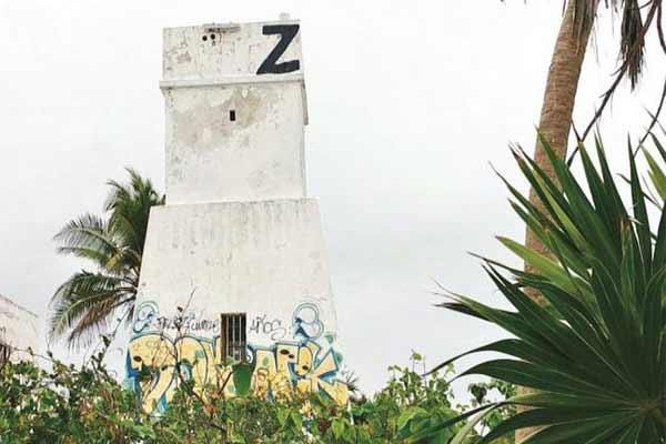 Deteriorado, vandalizado, olvidado... así luce un faro de Tulum