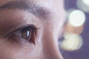 Una joven se arranca los ojos por alucinaciones al drogarse