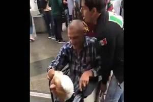 Un mexicano tiró en Rusia a un hombre en silla de ruedas por...