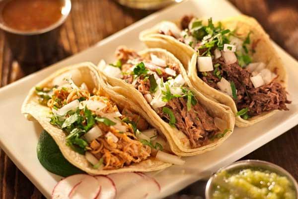 'Los tacos, una comida típica de Estados Unidos': dice periodista de Fox News