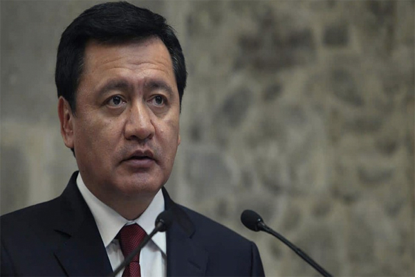 Gobierno de Peña Nieto debió defender más el NAIM: Osorio Chong