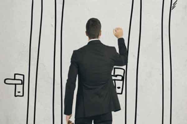 Tocar puertas es la nueva estrategia de promoción