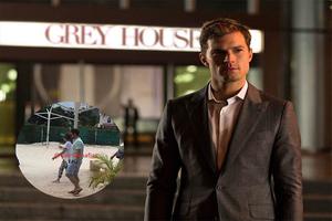 Se pasea el señor 'Grey' por Cancún, Jamie Dornan