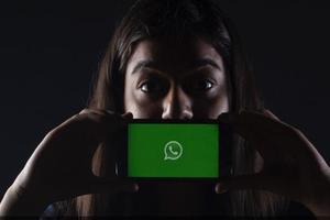 Mensajes de WhatsApp se autodestruirán después de un tiempo