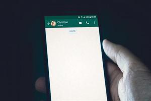 """""""Deberías borrar WhatsApp de tu móvil"""", advierte el fundador..."""