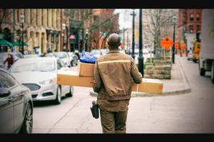 Repartidor muere de cansancio tras entregar cientos de paque...