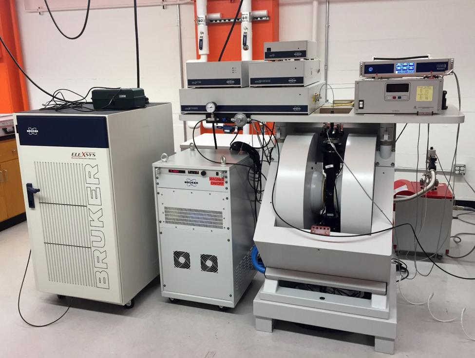 Bruker ELEXSYS - E580 X,Q-band pulse EPR spectrometer