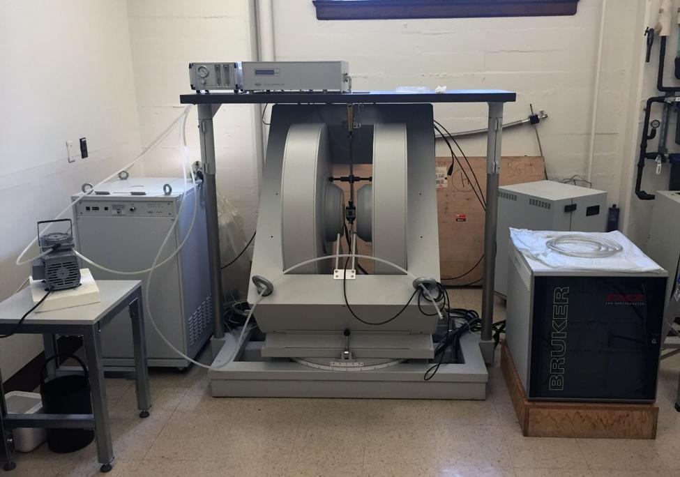 Bruker EMX X-band CW-EPR Spectrometer