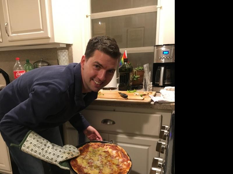 Tom making pizzas, mmmh!