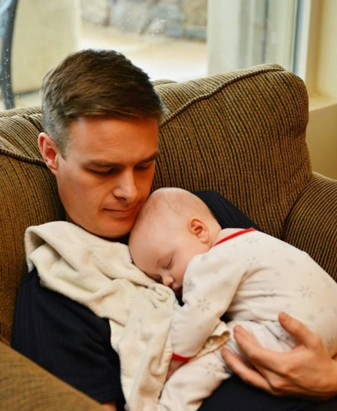 Jay and niece Siena napping
