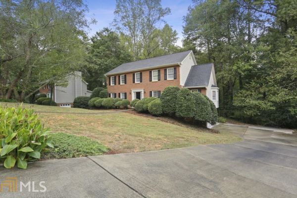 635 Wood Valley Trce, Roswell