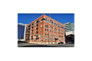 #105 240 11 AV SW, Calgary