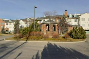 #130 1920 14 AV NE, Calgary