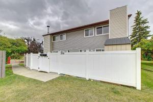316 PINEMONT GA NE, Calgary