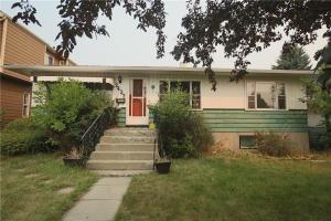 2432 26 AV NW, Calgary
