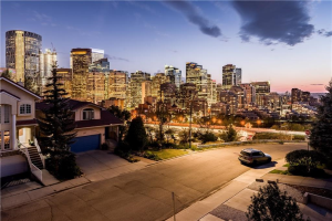 212 2 AV NE, Calgary