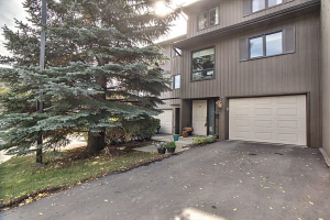 #52 23 Glamis DR SW, Calgary