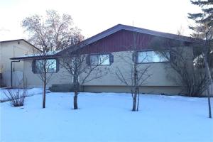 3425 19 AV SE, Calgary