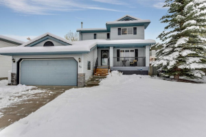26 WEST HALL PL , Cochrane