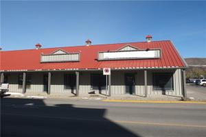 402 Railway ST W, Cochrane