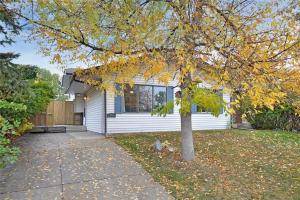 208 Templeside CI NE, Calgary