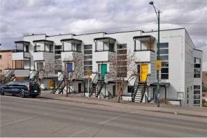#214 1800 26 AV SW, Calgary