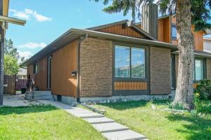647 WHITEWOOD RD NE, Calgary