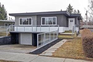 2109 50 AV SW, Calgary