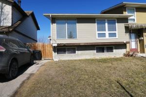 204 ABINGER CR NE, Calgary